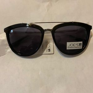 Joe's jeans black round sunglasses, NWT